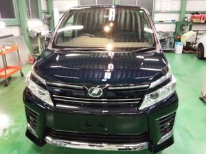 福生市A様 新車 ZRR80W VOXY Rmcガラスコーティング施工