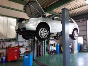 青梅市W様 VW ゴルフ4 エンジンオイル交換 WAKO'S 4CT-S 5W40 ¥2400-/1L