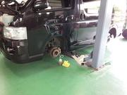 青梅市K様 TRH200V ハイエース ブレーキフルード交換作業