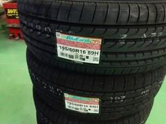 青梅市E様 セレナ タイヤ交換 YOKOHAMA BluEarth RV-02 195/60R16 新品4本交換