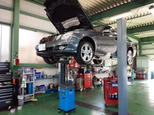 青梅市I様 弊社販売車 ベンツ W211 E320 CDI オイル交換 WAKO'S 4CT-S 5W40 ¥2592-/1L×8.5L
