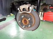 青梅市H様 ZC32S スイフトスポーツ 車検 車検整備作業 ブレーキの分解・清掃・給油作業