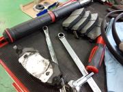 奥多摩町W様 YB11S SX-4 車検整備作業 ブレーキローター ブレーキパッド交換 ドラムブレーキ調整