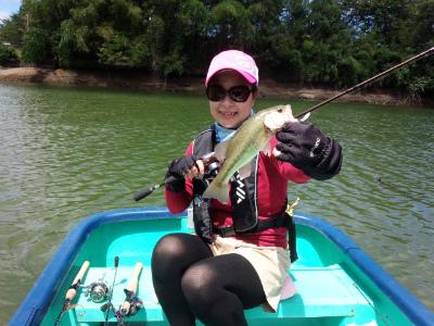 2014.08.19.亀山湖 バス釣り おりきさわ 岩の上島