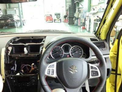 東京都小平市O様 弊社販売車 新車 スイフトスポーツ YUPITERU レーダー探知機 Z250Csd 取付