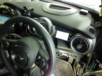 東京都青梅市M様 BMWミニ YUPITERU 指定店レーダー探知機 Z250Csd OBD2カプラー