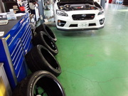 デモカーVAB ADVAN Racing RS-DF Progressive M&RACING HYPER BLACK ホイール洗浄