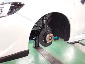 デモカーVAB WRX STI brembo GT KIT MonoBlock 6POT バックプレートにマルシェ コーンプレート取付