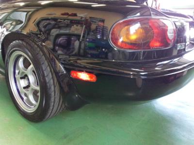 東京都青梅市T様 弊社販売車 NA8C ロードスター リアサイドマーカー 点灯するように加工しました